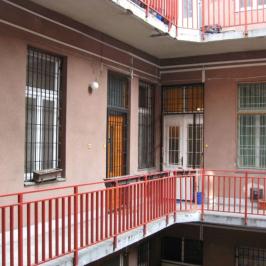 Eladó  téglalakás (<span class='notranslate'>Budapest, VIII.  </span>kerület) 51,9 M   <span class='notranslate'>Ft</span>