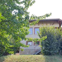 Eladó  családi ház (Solymár) 179 M  Ft