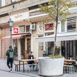 Eladó  téglalakás (<span class='notranslate'>Budapest, VIII.  </span>kerület) 73,5 M   <span class='notranslate'>Ft</span>
