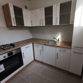 Eladó  panellakás (Budapest, IV. kerület) 26,6 M  Ft