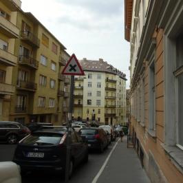 Kiadó  üzlet (Budapest, I. kerület) 400 E  Ft/hó