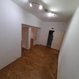 Eladó  téglalakás (Dunaújváros, Belváros) 18,9 M  Ft