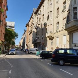 Kiadó  üzlethelyiség utcai bejáratos (<span class='notranslate'>Budapest, XIII.  </span>kerület) 990 E   <span class='notranslate'>Ft</span>/hó