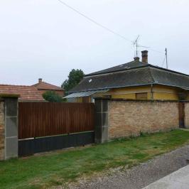 Eladó  családi ház (Pilis) 25,9 M  Ft