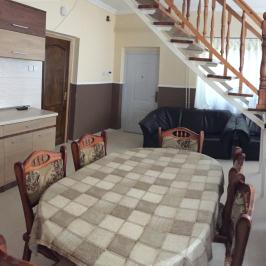 Eladó  családi ház (Vác, Csatamező) 45 M  Ft