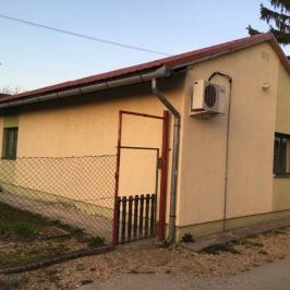 Eladó  családi ház (<span class='notranslate'>Dunakeszi</span>, <span class='notranslate'>Szabadságliget</span>) 49.9 M   <span class='notranslate'>Ft</span>