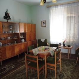 Eladó  családi ház (Nagykálló) 10 M  Ft