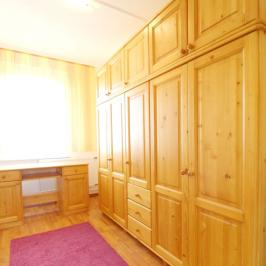 Kiadó  panellakás (Debrecen) 120 E  Ft/hó