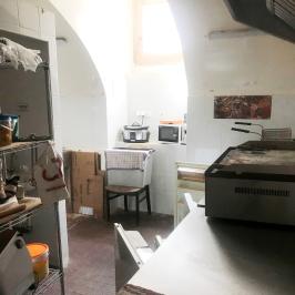 Eladó  melegkonyhás vendéglátóegység (Budapest, VII. kerület) 5 M  Ft