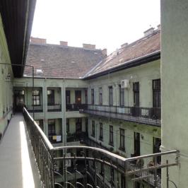 Eladó  téglalakás (<span class='notranslate'>Budapest, VI.  </span>kerület) 37 M   <span class='notranslate'>Ft</span>