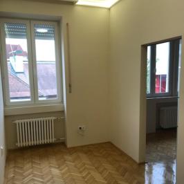 Kiadó  téglalakás (<span class='notranslate'>Budapest, V.  </span>kerület) 200 E   <span class='notranslate'>Ft</span>/hó