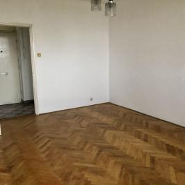 Eladó  panellakás (Vác, Alsóváros) 19,89 M  Ft