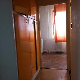 Eladó  panellakás (Dunaújváros, Technikum városrész) 10,8 M  Ft