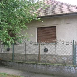 Eladó  családi ház (Tóalmás) 17,2 M  Ft