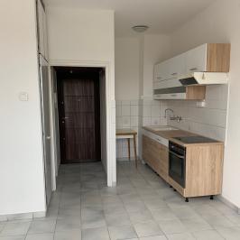 Eladó  panellakás (Budapest, XXI. kerület) 23,5 M  Ft