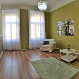 Eladó  téglalakás (Budapest, VII. kerület) 52,49 M  Ft