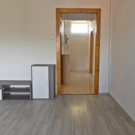 Eladó  panellakás (Eger, Lajosváros) 18,9 M  Ft