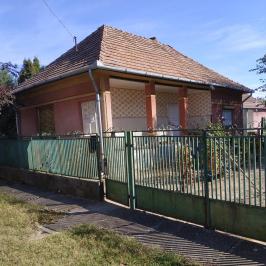 Eladó  családi ház (<span class='notranslate'>Tóalmás</span>, <span class='notranslate'></span>) 9,8 M   <span class='notranslate'>Ft</span>