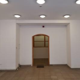 Eladó  üzlet (<span class='notranslate'>Budapest, IX.  </span>kerület) 180 M   <span class='notranslate'>Ft</span>
