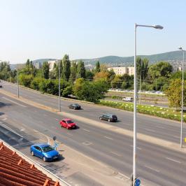 Kiadó  iroda (Budapest, III. kerület) 1,93 E  Ft/hó +ÁFA