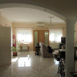 Eladó  családi ház (<span class='notranslate'>Érd</span>, <span class='notranslate'>Felső-Parkváros (M7-től északra)</span>) 71,9 M   <span class='notranslate'>Ft</span>