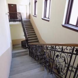 Eladó  téglalakás (<span class='notranslate'>Budapest, VI.  </span>kerület) 73,9 M   <span class='notranslate'>Ft</span>