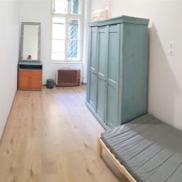 Eladó  téglalakás (Budapest, VII. kerület) 63,9 M  Ft