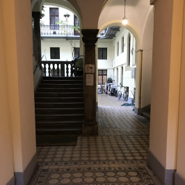 Eladó  téglalakás (Budapest, VI. kerület) 34,2 M  Ft