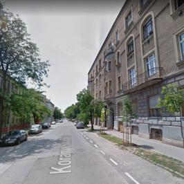 Eladó  üzlethelyiség utcai bejáratos (<span class='notranslate'>Budapest, VIII.  </span>kerület) 35 M   <span class='notranslate'>Ft</span>