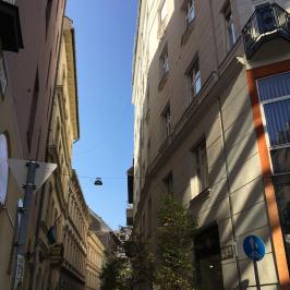Kiadó  téglalakás (<span class='notranslate'>Budapest, V.  </span>kerület) 270 E   <span class='notranslate'>Ft</span>/hó
