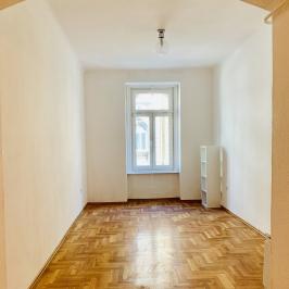 Eladó  téglalakás (<span class='notranslate'>Budapest, VII.  </span>kerület) 31.5 M   <span class='notranslate'>Ft</span>