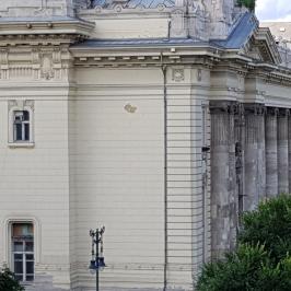 Eladó  téglalakás (<span class='notranslate'>Budapest, V.  </span>kerület) 90,9 M   <span class='notranslate'>Ft</span>