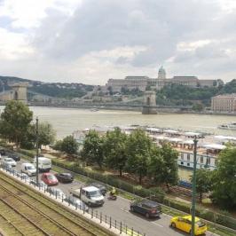 Kiadó  üzlethelyiség utcai bejáratos (<span class='notranslate'>Budapest, V.  </span>kerület) 2,3 M   <span class='notranslate'>Ft</span>/hó +ÁFA