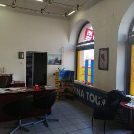 Kiadó  üzlethelyiség utcai bejáratos (<span class='notranslate'>Budapest, IX.  </span>kerület) 400 E   <span class='notranslate'>Ft</span>/hó +ÁFA