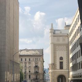 Eladó  téglalakás (<span class='notranslate'>Budapest, V.  </span>kerület) 79,9 M   <span class='notranslate'>Ft</span>