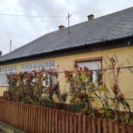 Eladó  családi ház (<span class='notranslate'>Újfehértó</span>, <span class='notranslate'></span>) 12,9 M   <span class='notranslate'>Ft</span>