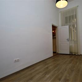 Eladó  téglalakás (<span class='notranslate'>Budapest, IX.  </span>kerület) 49,9 M   <span class='notranslate'>Ft</span>