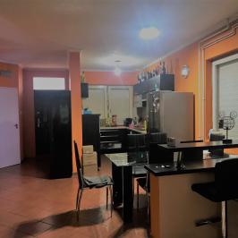 Eladó  családi ház (<span class='notranslate'>Budapest, XVII.  </span>kerület) 58,9 M   <span class='notranslate'>Ft</span>