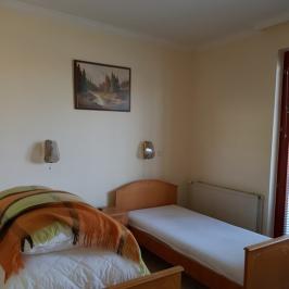 Eladó  hotel, szálloda (<span class='notranslate'>Budapest, XVI.  </span>kerület) 280 M   <span class='notranslate'>Ft</span>