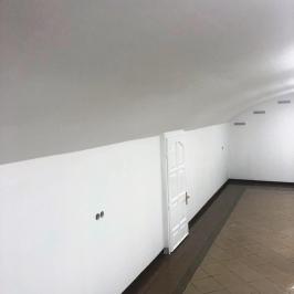 Eladó  üzlet (<span class='notranslate'>Budapest, VI.  </span>kerület) 135 M   <span class='notranslate'>Ft</span>
