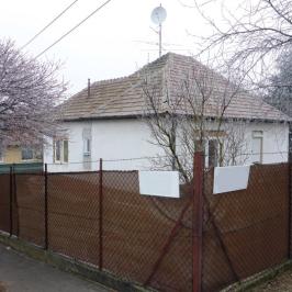 Eladó  családi ház (<span class='notranslate'>Budapest, XVII.  </span>kerület) 38,5 M   <span class='notranslate'>Ft</span>