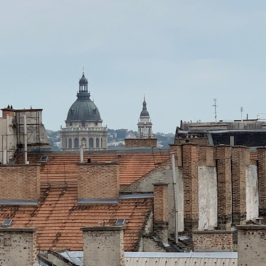 Eladó  téglalakás (<span class='notranslate'>Budapest, VI.  </span>kerület) 114,9 M   <span class='notranslate'>Ft</span>