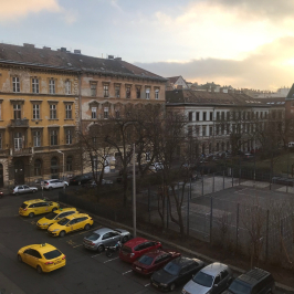 Kiadó  téglalakás (<span class='notranslate'>Budapest, VII.  </span>kerület) 708,4 E   <span class='notranslate'>Ft</span>/hó