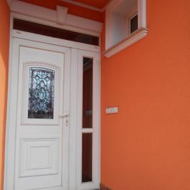 Eladó  családi ház (<span class='notranslate'>Budapest, XV.  </span>kerület) 159,9 M   <span class='notranslate'>Ft</span>