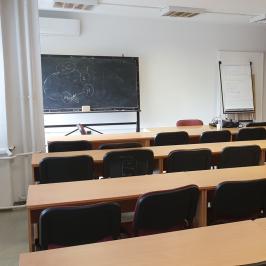 Eladó  iroda (<span class='notranslate'>Szekszárd</span>, <span class='notranslate'>Városközpont</span>) 100 M   <span class='notranslate'>Ft</span>