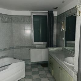 Eladó  családi ház (<span class='notranslate'>Budapest, XXI.  </span>kerület) 185 M   <span class='notranslate'>Ft</span>