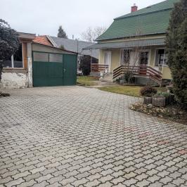 Eladó  családi ház (<span class='notranslate'>Kiskunlacháza</span>, <span class='notranslate'>Központ</span>) 39,9 M   <span class='notranslate'>Ft</span>