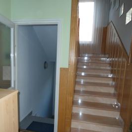 Eladó  családi ház (<span class='notranslate'>Budapest, III.  </span>kerület) 127,9 M   <span class='notranslate'>Ft</span>