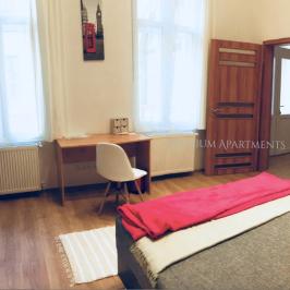 Kiadó  téglalakás (<span class='notranslate'>Budapest, VI.  </span>kerület) 250 E   <span class='notranslate'>Ft</span>/hó