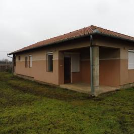 Eladó  családi ház (<span class='notranslate'>Kálmánháza</span>, <span class='notranslate'></span>) 24,5 M   <span class='notranslate'>Ft</span>